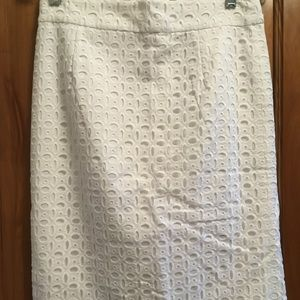 BANANA REPUBLIC white eyelet pencil skirt-4-NWT!
